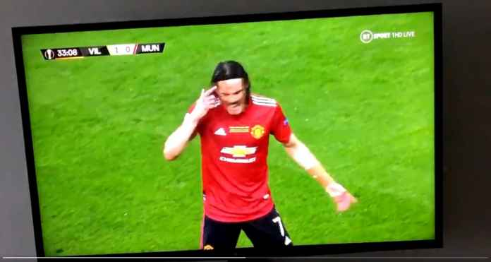 Coba Lihat Adegan Tadi Malam Ini, Benarkah Edinson Cavani Memaki Manajer Man United Untuk Tutup Mulut?