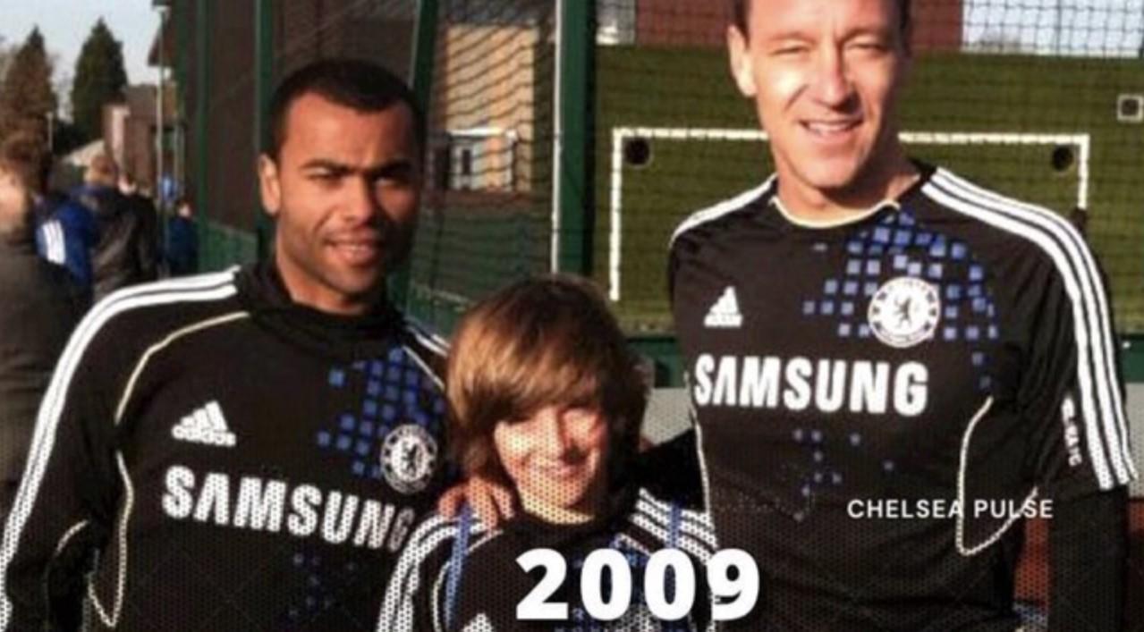 Mason Mount saat masih menjadi ball boy untuk Chelsea, dan kini ia akan membela The Blues di babak final Liga Champions