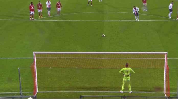 Neymar Penalti Dikasih Gawang Kosong Pun Gagal Gol, PSG Gagal Juara Ligue 1