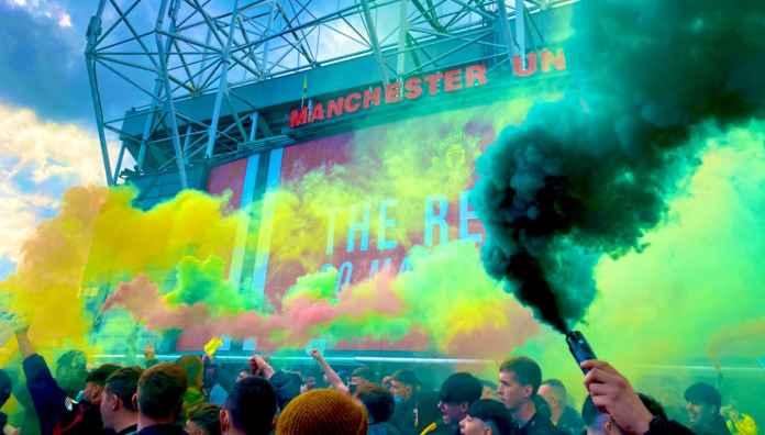 Manchester United vs Liverpool Batal? Setan Merah Terancam Hukuman 3 Poin, Kumpulan Video dan Foto Rusuh Old Trafford