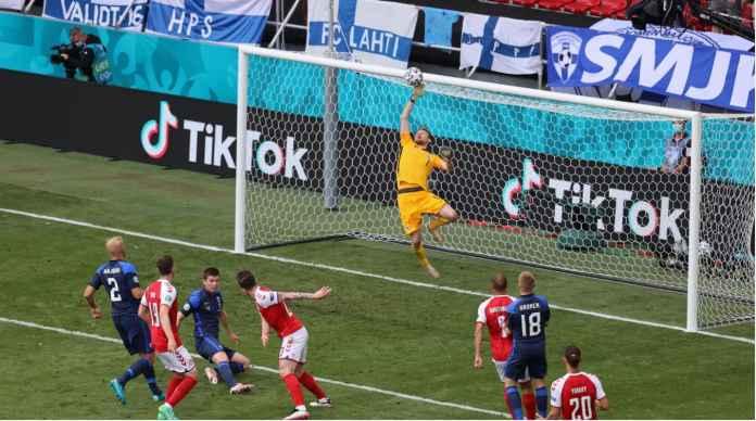 Hasil Euro 2020: Denmark Berusaha Gembirakan Hati Eriksen, Tapi Hojbjerg Gagal Penalti!