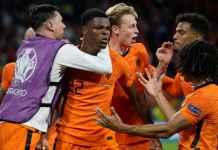 Gol Belanda Mepet-mepet Akhir, Ulangi Gol Pelatih Frank De Boer 21 Tahun Silam