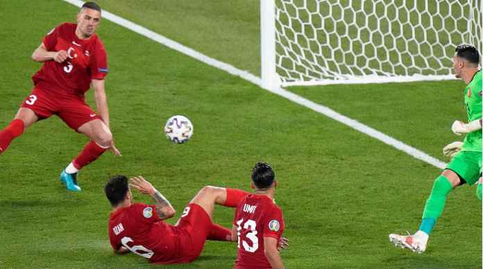Bek Tengah Juventus Jadi Penyebab Gol Bunuh Diri Turki Melawan Italia di Laga Pembuka Euro 2020