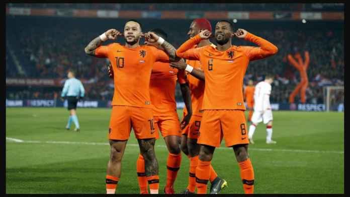 Sinyal Buruk Belanda Tersisih Cepat di Euro 2020: Frank de Boer Tak Sadar Pemain Ini Tak Masuk Skuad