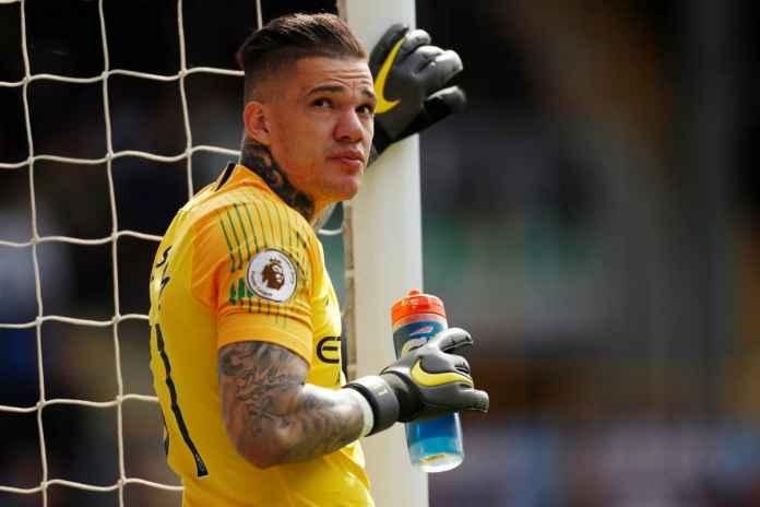 Ederson Moraes Bakal Cukup Lama Perkuat Man City