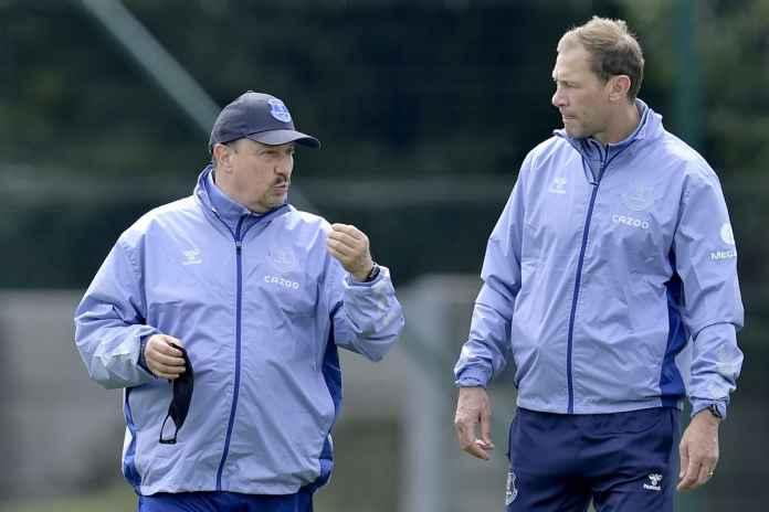 Everton Diledekin Eks Liverpool Tak Berhasil Dilatih Benitez