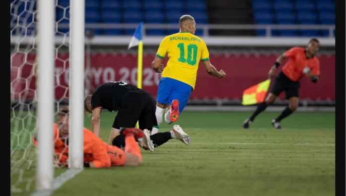 Kemenangan Brasil 4-2 Jerman Balaskan Dendam Skuad Senior Selecao Tujuh Tahun Silam Saat Dipermalukan 1-7