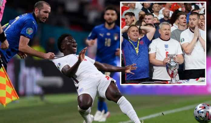 KOCAK! Fans Inggris Minta Final Euro 2020 Digelar Ulang, Tuding Wasit Berat Sebelah