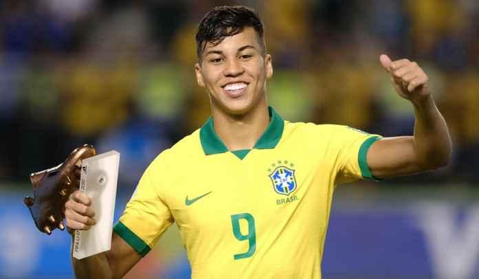 Waduh, Benfica Gerak Cepat Rebut Ronaldo Nazario Baru Ini, Milan Terlalu Pelit Sih!