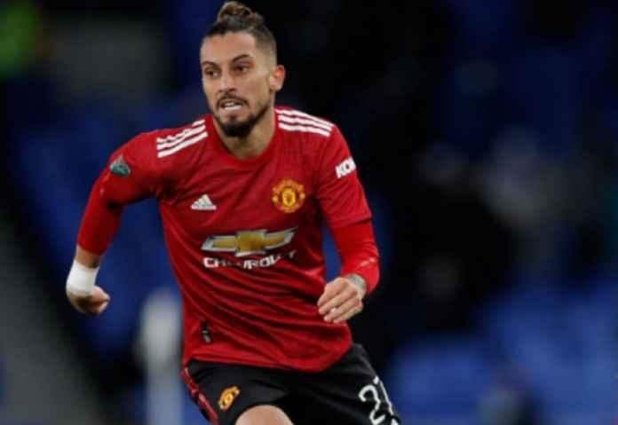 Manchester United Blokir Niat Mourinho Pinjam Alex Telles