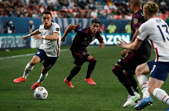 Bayern Munchen Dekati Barcelona, Belum Bisa Move On dari Sergino Dest