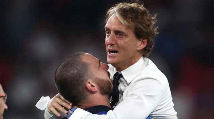 Tanpa Trofi Selagi Jadi Pemain Italia, Roberto Mancini Menangis Dapatkan Gelar Saat Jadi Manajer Azzurri