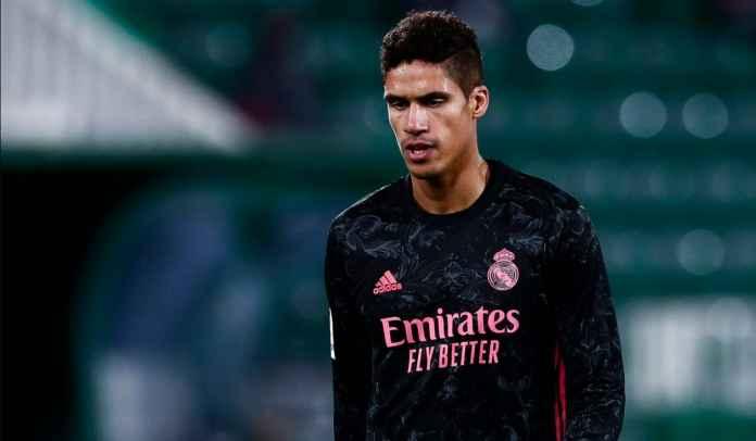 Man Utd Sudah Hampir Dapatkan Raphael Varane, Chelsea Cari Kesempatan Bajak Transfer