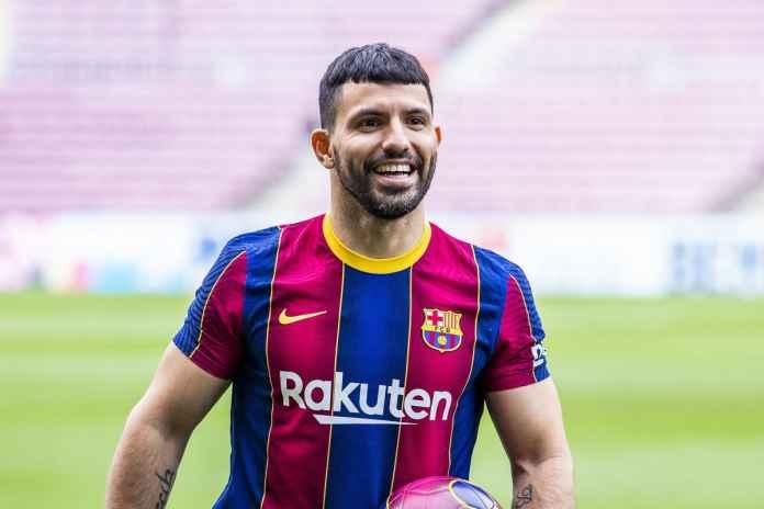 Aguero Tetap Bertahan Meski Messi Cabut dari Camp Nou
