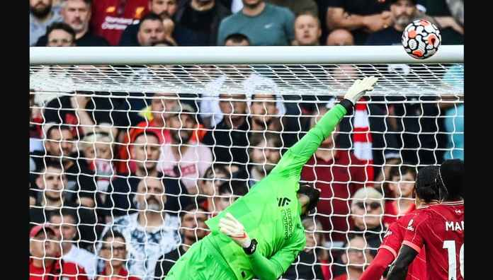 Gol yang Diderita Alisson Becker Tadi Malam Mirip Gol Terbaik Liverpool Musim Lalu
