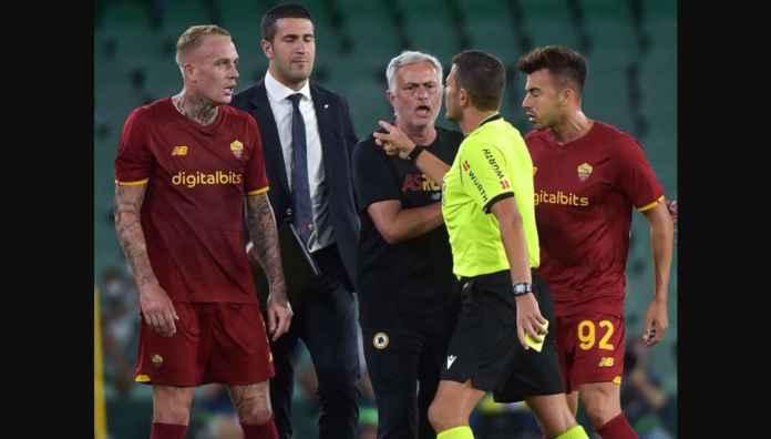 Lihat Adegan Handball Real Betis yang Awali Pengusiran 3 Pemain AS Roma dan Mourinho