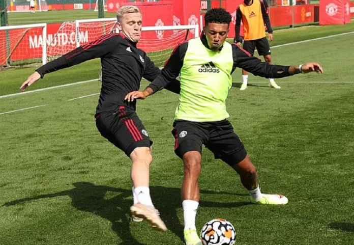 Gelandang Manchester United Disingkirkan Louis van Gaal dari Skuad Timnas Belanda