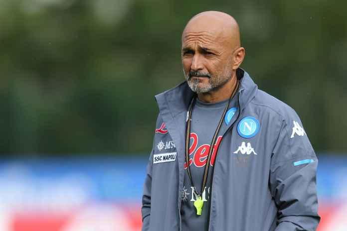 Napoli Menyerah Kejar Tanda Tangan Bek Kiri The Blues