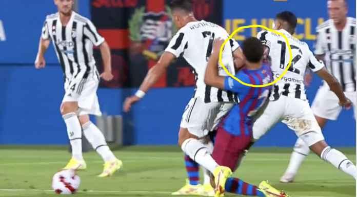 Tak Hormati Messi, Ronaldo dan Alex Sandro Sikut Wajah Pemain Barcelona Ini