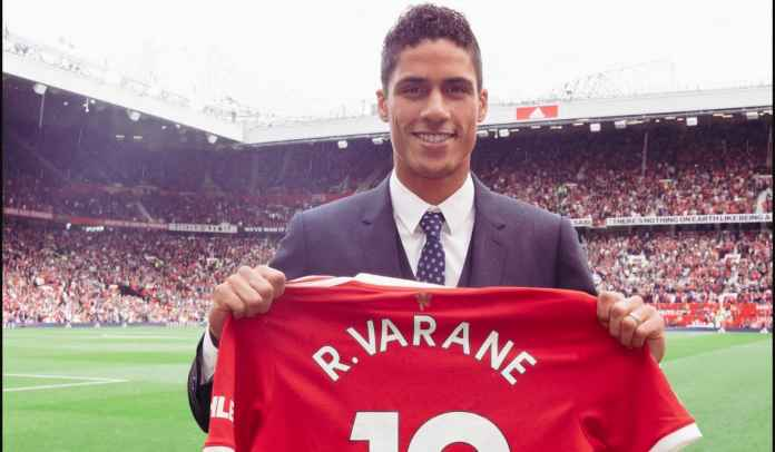 AKHIRNYA! Man Utd Resmi Umumkan Transfer Raphael Varane, Kenakan Nomor 19