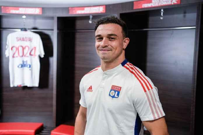 Xherdan Shaqiri Tiba, Pelatih Lyon Buka Suara
