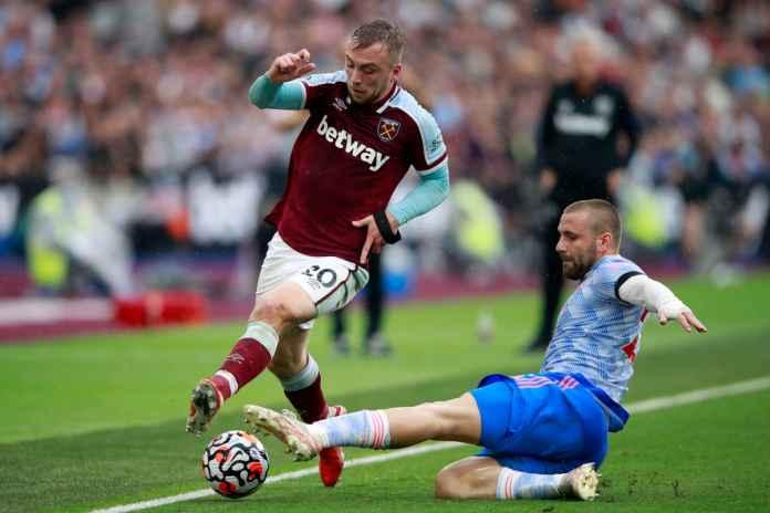 Leicester City Bidik Winger Milik West Ham United