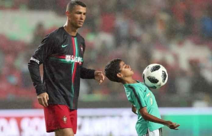 Cristiano Ronaldo Ingin Gantung Sepatu dan Melatih di Manchester United