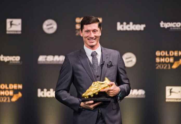 Robert Lewandowski Raih Sepatu Emas Eropa