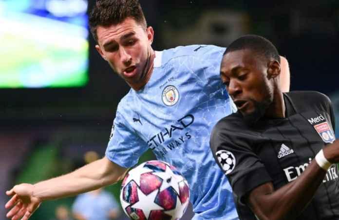 Barcelona Hidupkan Kembali Perburuan Bek Manchester City