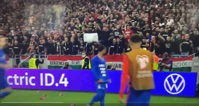 Lihat Adegan Raheem Sterling Dilempari Gelas Plastik Oleh Pendukung Hungaria Usai Cetak Gol