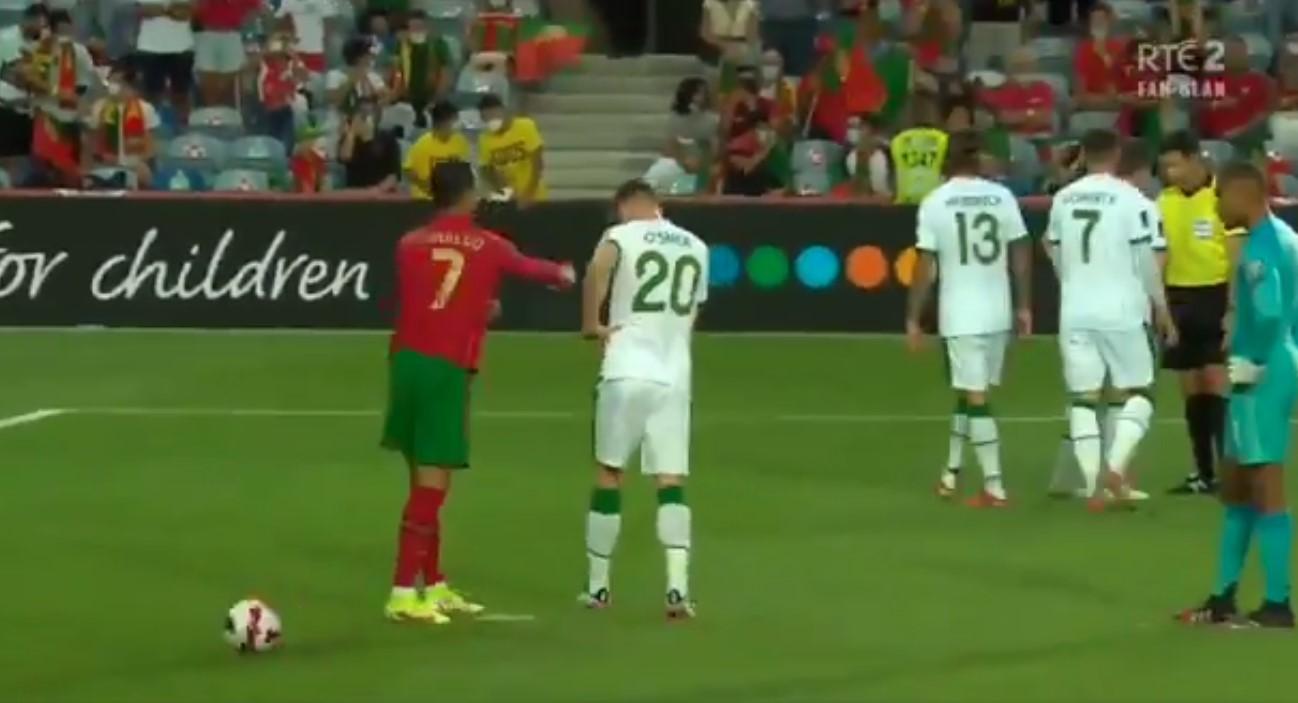 Ronaldo Tampar Pemain Irlandia