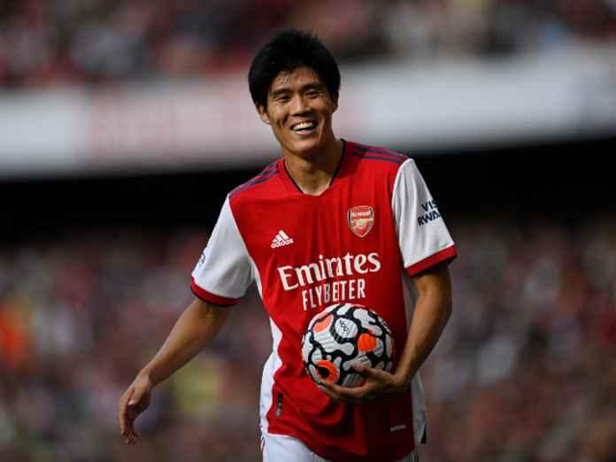 Tomiyasu Berhasil Curi Perhatian di Laga Debut Arsenal