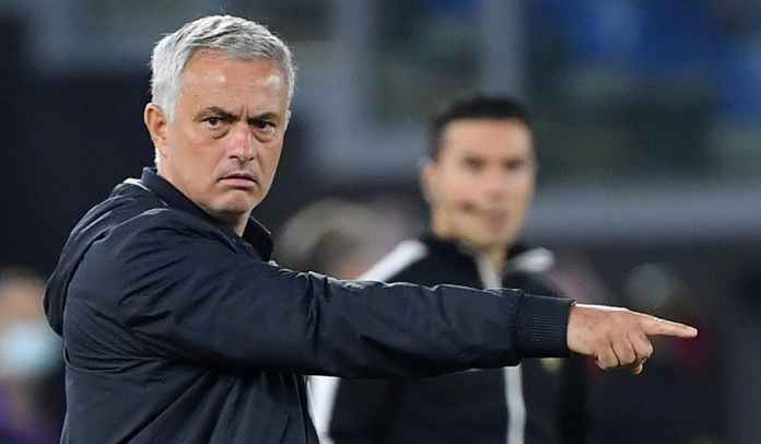 Tak Terima Kartu Merah Lorenzo Pellegrini, Jose Mourinho Minta Roma Ajukan Banding