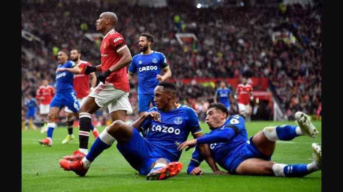 Hasil Man Utd vs Everton Diwarnai Perkelahian Babak Pertama, Martial Gol Pertamanya Musim Ini