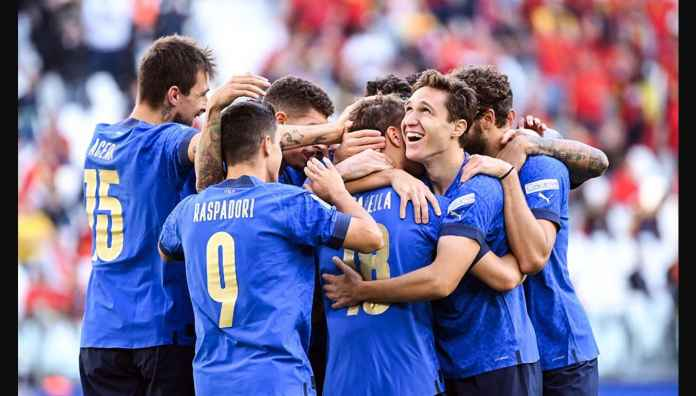 Italia Rebut Tempat Ketiga Berkat Gol-gol Domenico Berardi dan Nicolo Barella