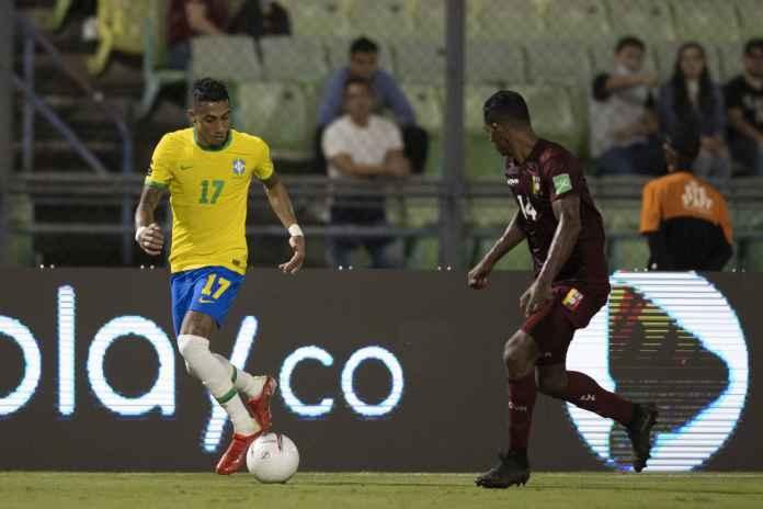 Lakoni Laga Debut dengan Brasil, Raphinha Angkat Bicara