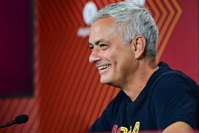 Mourinho Bertekad Berikan Trofi untuk Fans Roma